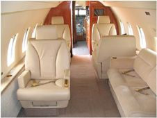 Challenger 600 - Comfortably seats 18 passengers