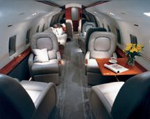 Challenger 800 - Comfortably seats 19 passengers