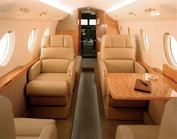 G150 - Comfortably seats 4 passengers