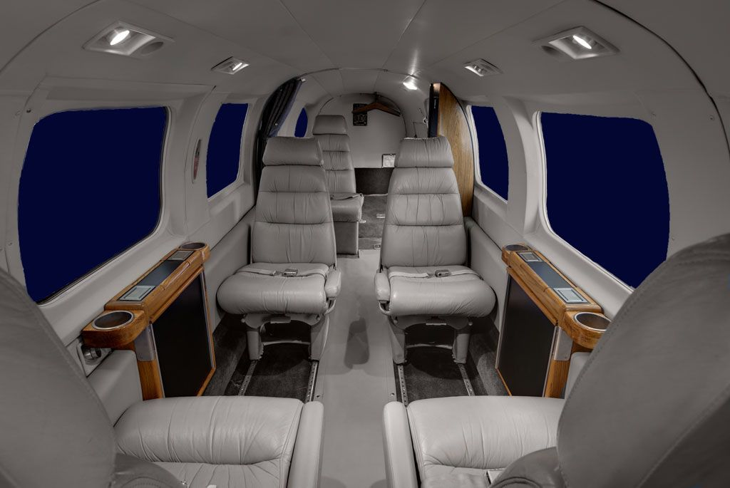 Piper Chieftain - Comfortably seats 8 passengers