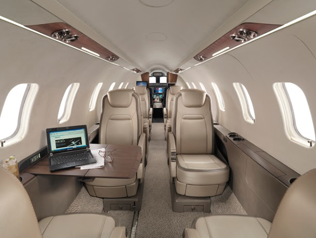 Lear 75 - Comfortably seats 8 passengers