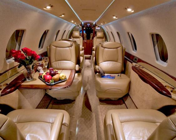 Citation Sovereign - Comfortably seats 12 passengers