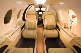 Diamond D-Jet - Comfortably seats 5 passengers